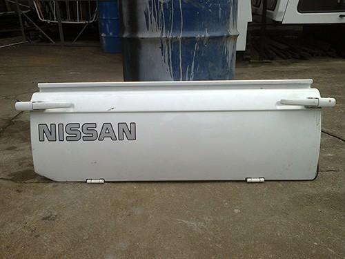 Nissan 1400 Tailgate