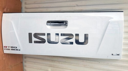 Isuzu 2015 Dteq Double Cab Tailgate - Complete-1