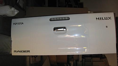Toyota-Hilux-D4D-Double-Cab-Tailgates-2006-2014-3