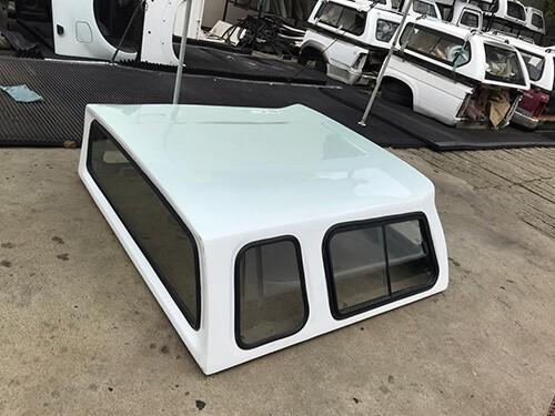 Nissan D-Cab Canopy SA Half Door